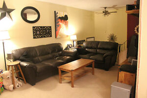 2 Bedroom Westside Condo for Rent. Across from University!!!