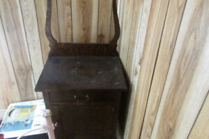 ANTIQUE SMALLER BEDROOM STAND