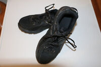 Mens New Balance Skeakers size 8 1/2