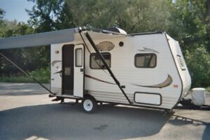ROULOTTE A LOUER - LOCATION ROULOTTE - VR - RV - VACANCE CAMPING