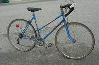 "FIXER UPPER 27"" LADIES BRENTWOOD SUPERBE 10 SPD BIKE $45. AS IS!"