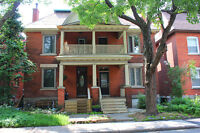 LARGE 1 BEDROOM GLEBE APARTMENT IN CENTURY HOME