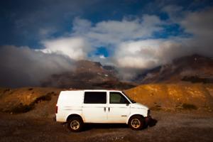 2001 GMC Safari Camper Van (only 178km)