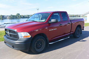 Pick up Dodge Ram 1500 ST Camion