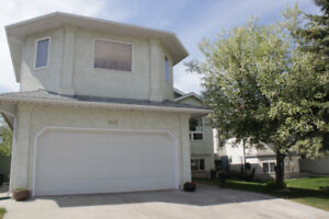 Bi-Level House with finished basement for Rent (5 bed, 4 bath)