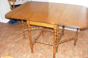Duncan Phyfe Gate Leg Table