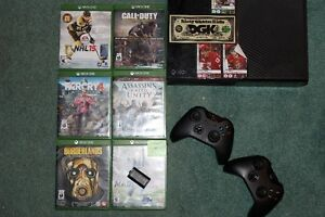 XBox One - 2 Controllers plus games