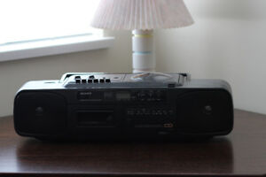 Vintage Sony CFD-50 CD AM/FM Radio Cassette Player