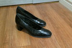 Lined shoes / souliers fourrés West Island Greater Montréal image 1