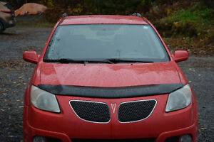 2005 Pontiac Vibe rouge Berline
