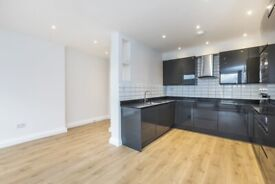 Lovely and very large 3 bedroom apartment in Linburn House, Kilburn High Rd, Kilburn, NW6 Ref: 1322