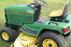 John Deere 425 Lawn and Garden Tractor, Great Condition