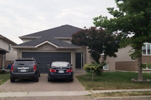 4 Bedrooms Raised Ranch for Rent - Walkergate South Windsor