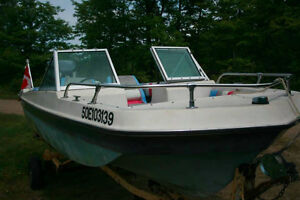 Crestliner Bowrider with 115 HP Yamaha motor