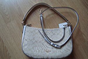 Great summer purse, Authentic Coach Handbag - Pierrefonds West