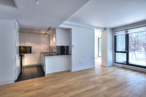 BRAND-NEW STUNNING CONDO-PRIME LOCATION DOWNTOWN!