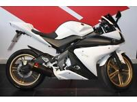 2013 13 YAMAHA YZF-R125 WHITE, GOLD WHEELS, AKRAPOVIC EXHAUST, LOW MILEAGE, HPI