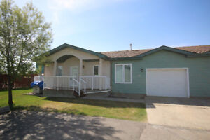 40+ LIVING TOWNHOUSE IN SPRUCE GROVE
