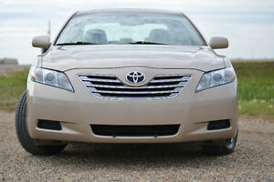 2009 Toyota Camry XLE(highbred) ( FULLY LOADED, LOW KMS )