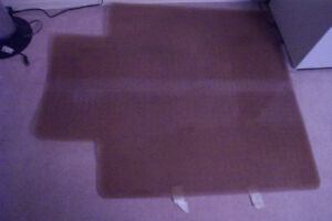Vinyl computer floor mat, very good condition. no shipping