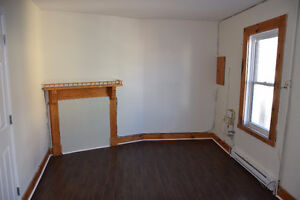 Bright Upper Level 3 Bedroom apt close to Downtown Avail NOW St. John's Newfoundland image 6