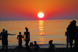 SAUBLE BEACH - 3 Bdrm Cottages - Sept/Oct Weekends Available