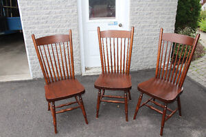 3 BEAUTIFUL WOOD CHAIRS. EXCELLENT CONDITION!! Gatineau Ottawa / Gatineau Area image 3