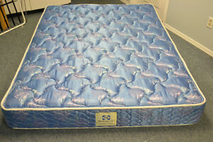 QUEEN SEALY POSTUREPEDIC MATTRESS London Ontario image 2