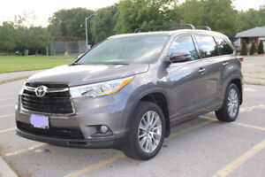 2016 Toyota Highlander XLE V6 AWD with 24,150 km for $38,900