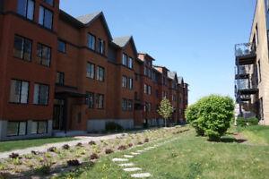 Brand new 4 1/2 in Dorval (w/Mezzanine) - July rent free!