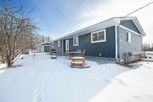 Three Bed Bungalow Home On 3.36 Acres in Lina Country Estates
