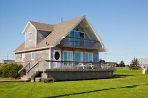 Seaview Chalet, 4 Star, 3 Bedroom Cottage, Ocean Views, PEI