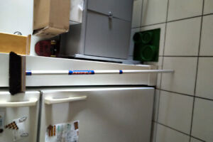 Vintage 8 Ender curling broom