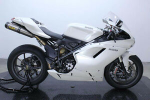 DUCATI 1198 ONLY USED 1 SEASON PRETTY MUCH BRAND NEW