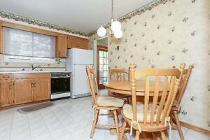 Great Cambridge Home with Quick Access To the 401 Cambridge Kitchener Area image 7