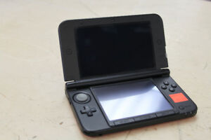 ** GAME ON ** Black and Red Nintendo 3DS XL w/ Charger