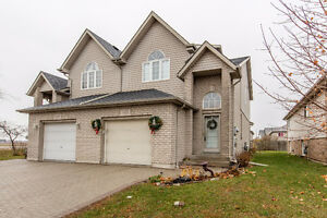 * NEW LISTING * 1535 LOVELL CRES, WINDSOR - WON'T LAST LONG