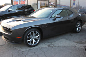 2016 Dodge Challenger SXT Plus Heated/Vented Leather Seats V6