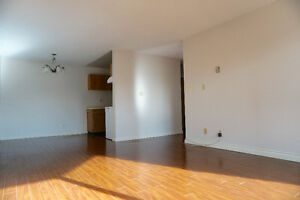 2 Bed/1 bath Apt, Bright & Quite in Central Richmond for Re