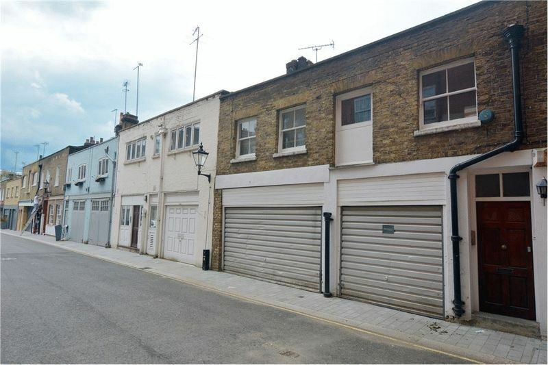 3 bedroom house in Devonshire Mews West, Marylebone , W1G
