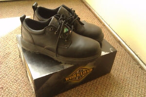 Steel Toe Boots Size 8 (WORKLOAD)