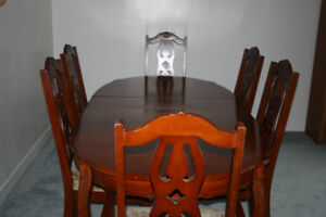 Diningroom Table with 6 Chairs (Cherry Wood)