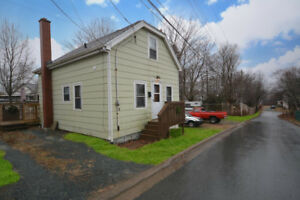 Lovely detached home in NE Dartmouth at Great Price!