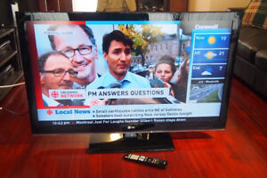 """47"""" LG 1080p LCD TV in perfect condition"""