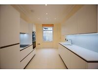 3 bedroom flat in Great Titchfield Street, Fitzrovia, W1W