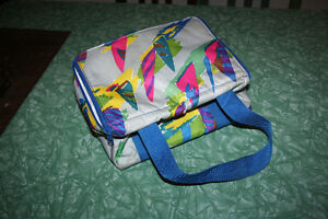 NEW Colourful Insulated lunch bag. zips with double straps. Kitchener / Waterloo Kitchener Area image 2