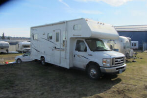 2011 Class C Adventurer ALP 24DS with Tow Vehicle