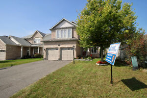 Power Marketing Real Estate: 5+1 Bedroom House in Orleans