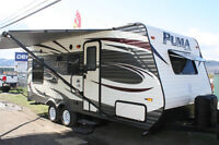 2015 PUMA 19RL FRONT QUEEN WITH REAR SOFA AND DINETTE!