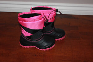 Brand new girl's size one winter boots
